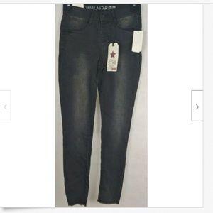 Vanilla Star blac kmid rise flex fit jegging jeans